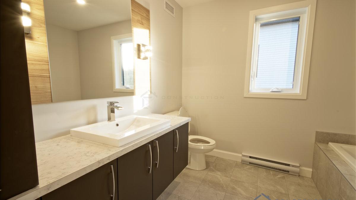 J-358&359_Salle de bain