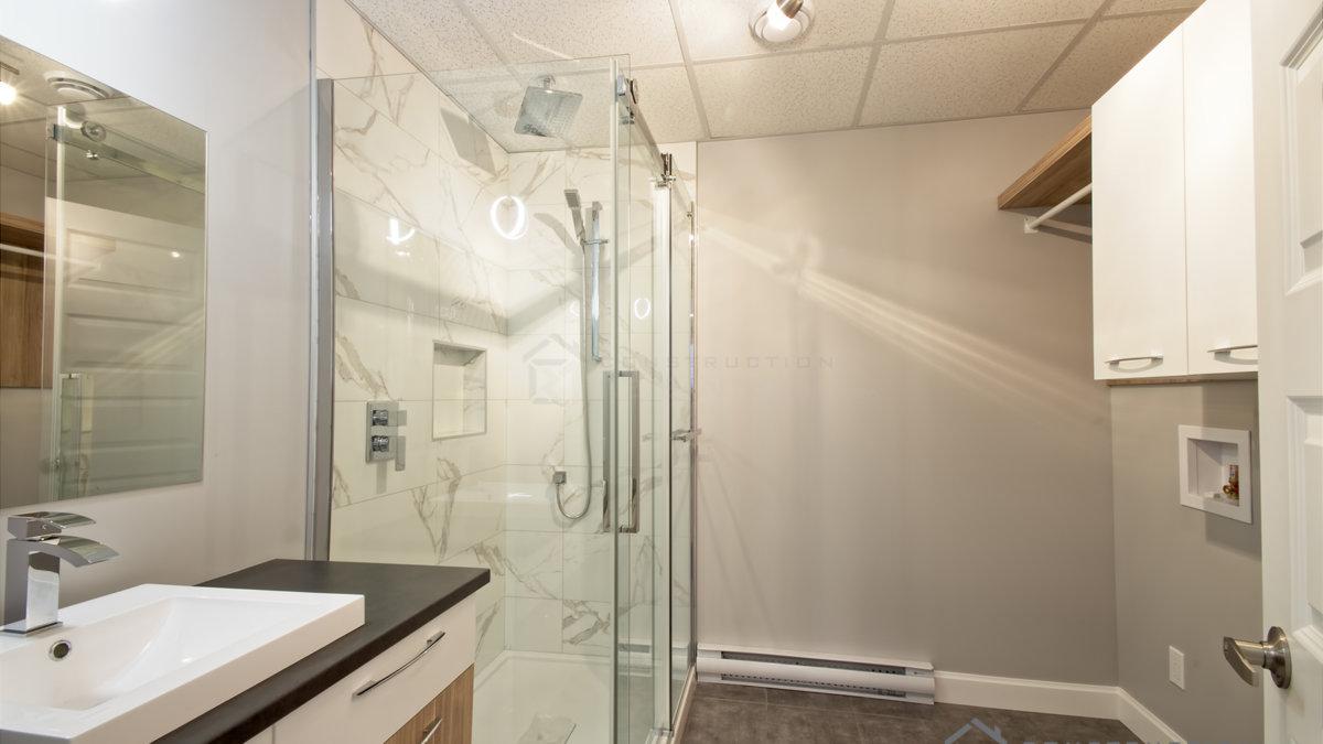 J-358&359_Salle de bain Sous-sol