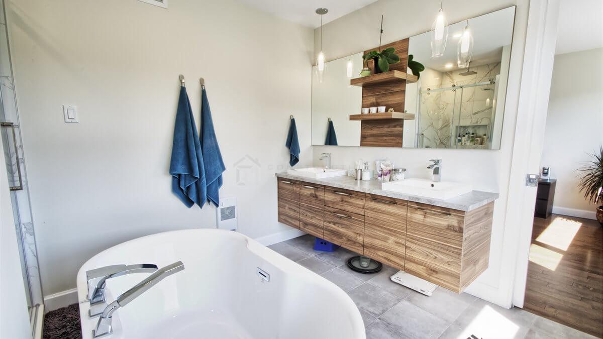 C-381 : Salle de bain des maîtres