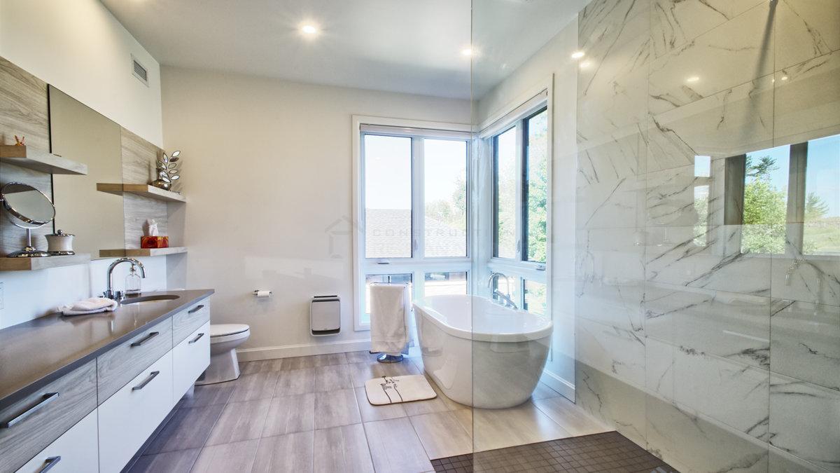 C-387 : Salle de bain maîtres
