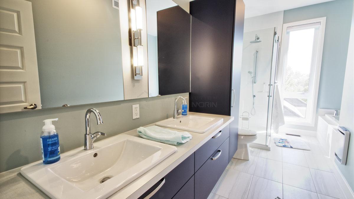 C-387 : Salle de bain principale